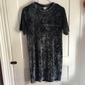 Short sleeve mid length yelete dress